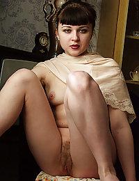 madura peluda meando