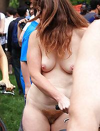 vaginas peludas masturbandose